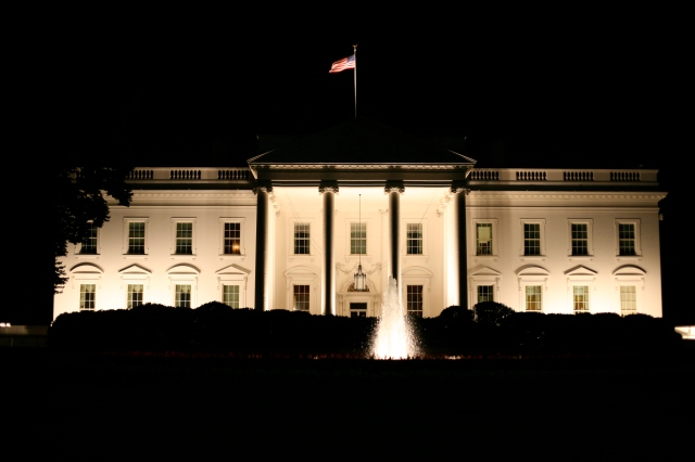 The_White_House_at_night